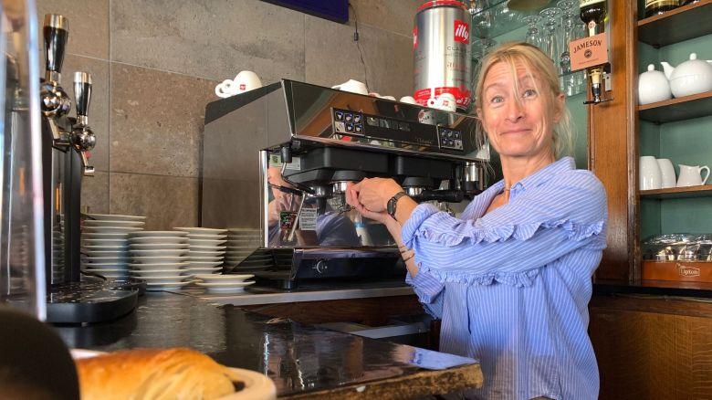 Les cafés coulent depuis plusieurs heures dans cet établissement / © Paul-Antoine Boudet/France Télévisions