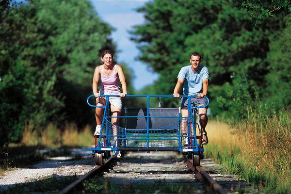 L'un des vélorails du Grand Est est situé à Chantraines en Haute-Marne(Cyclo-rail des 3 Vallées)