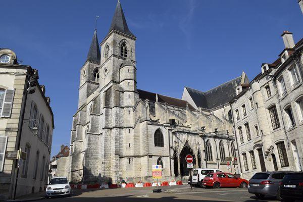 La basilique Saint Jean-Baptiste est un édifice important du patrimoine de Chaumont.