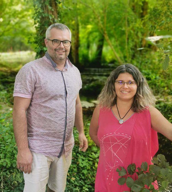 Christelle et Jérôme sont tombés amoureux de ce site. Ils sont tout de suite imaginé y installer des hébergements insolites.