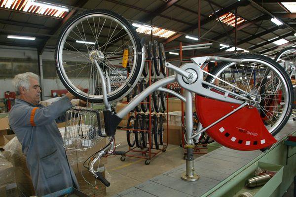 Les Cycles Mercier s'installent dans les Ardennes avec 270 promesses d'embauche. (photo 2005 - Cycles Mercier à Andrézieux)
