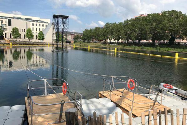 Faire du radeau sur la bassin d'Austerlitz sera possible à partir du 4 juillet.